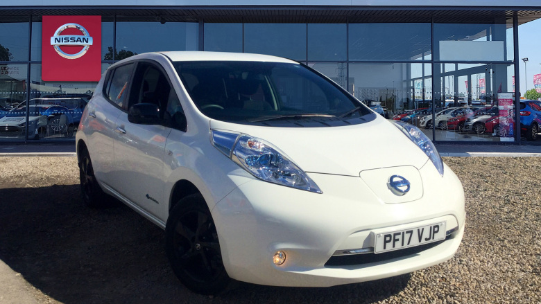 Nissan Leaf 80kW Black Edition 30kWh 5dr Auto Electric Hatchback